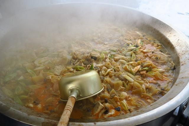 鮟鱇感謝祭の巨大あんこう鍋